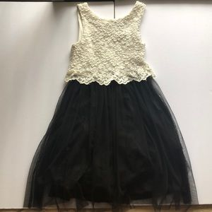 kids black and white lace dress